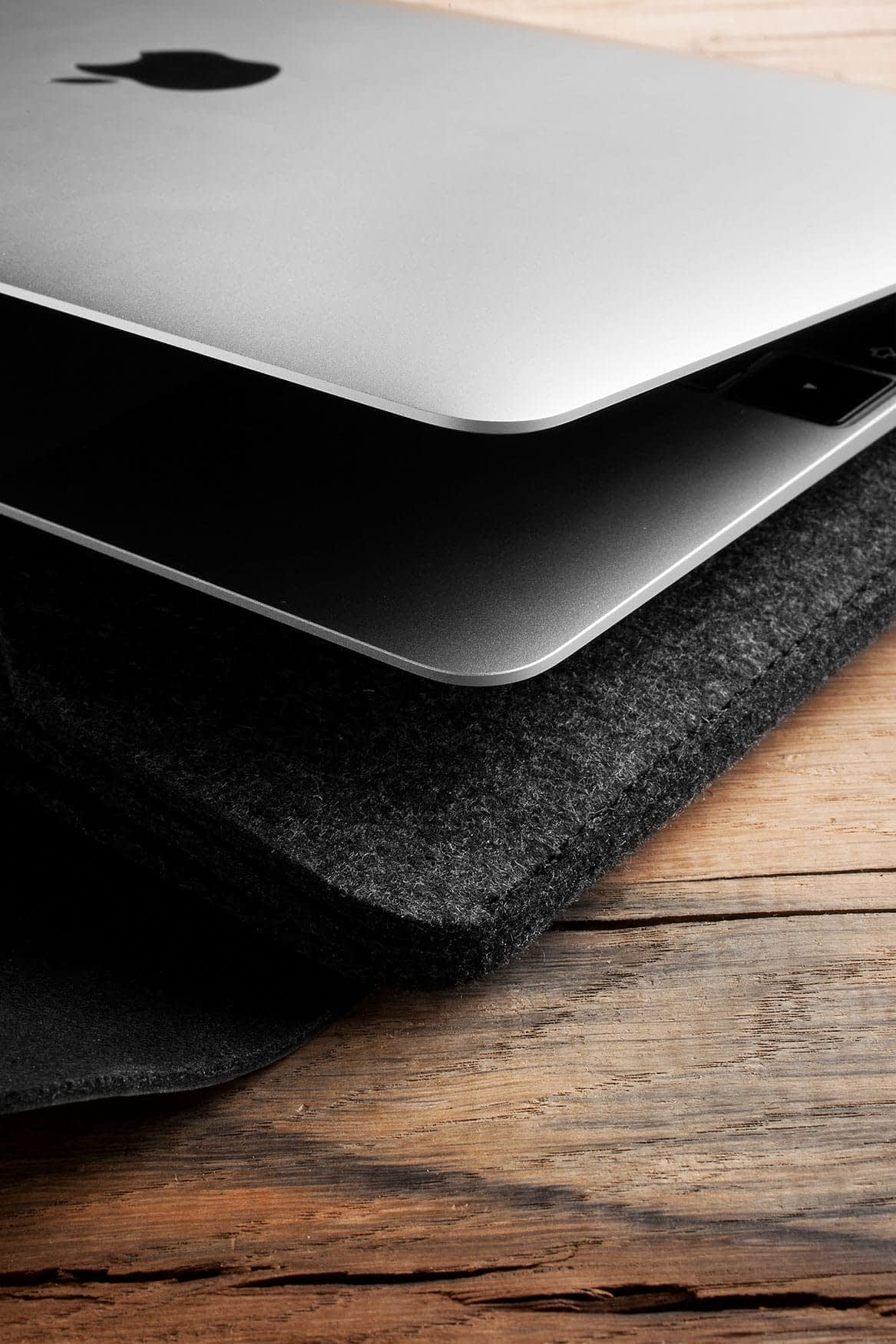 Sleeve for 12 Macbook Black 010