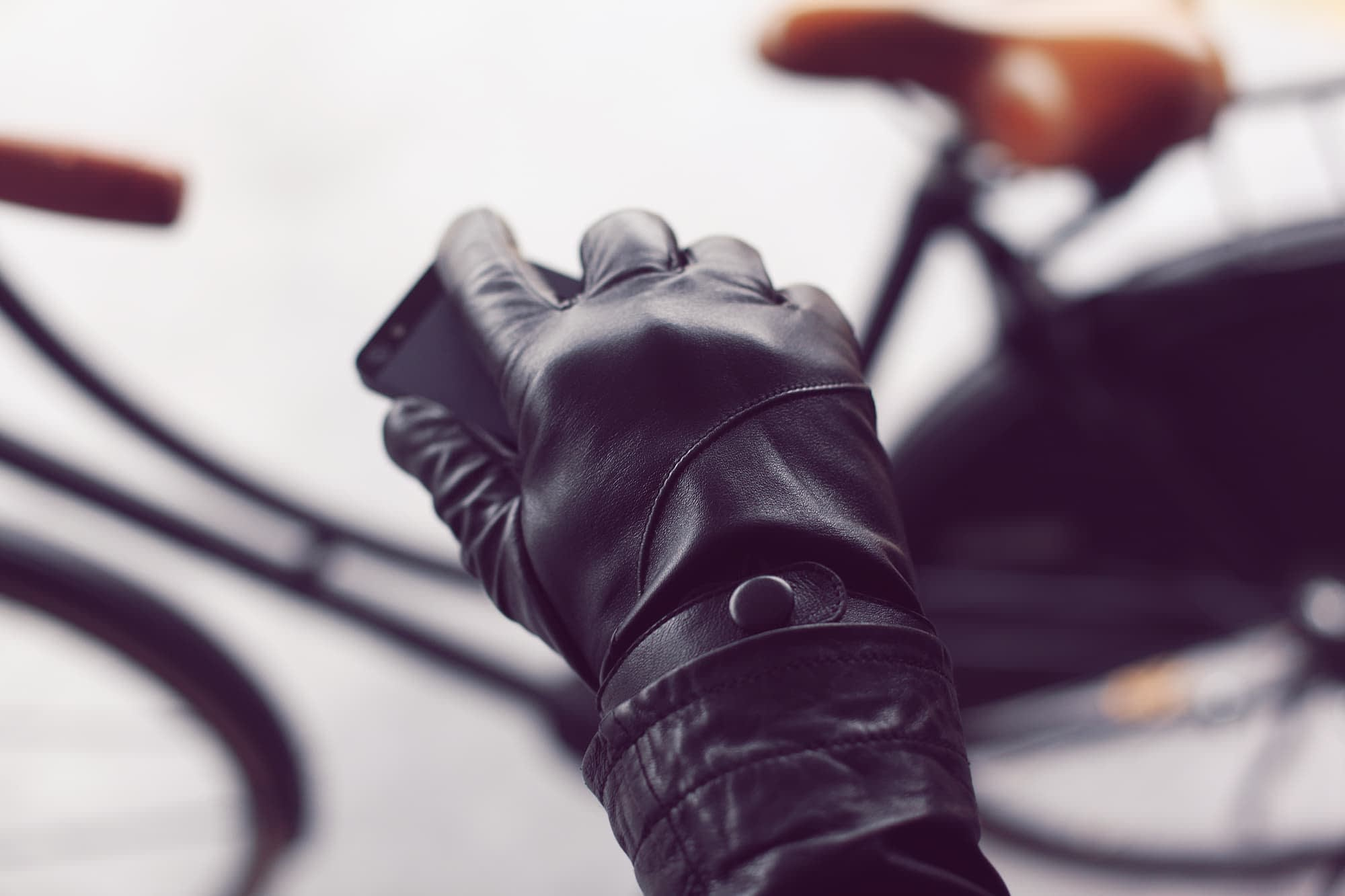 leather touchscreen gloves by mujjo IMG 2375