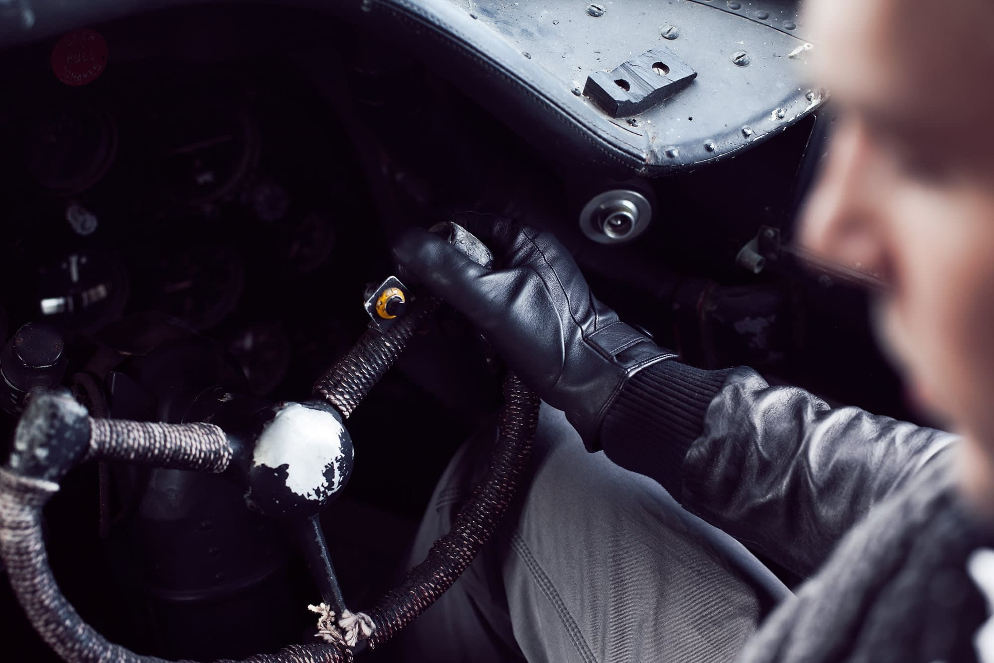 Leather touchscreen gloves DC4 003