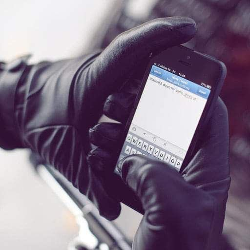leather touchscreen gloves by mujjo dt 768x768