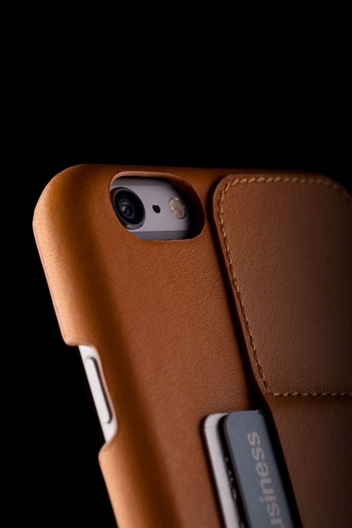Leather Wallet Case 80° for iPhone 6 Plus Tan Lifestyle 005
