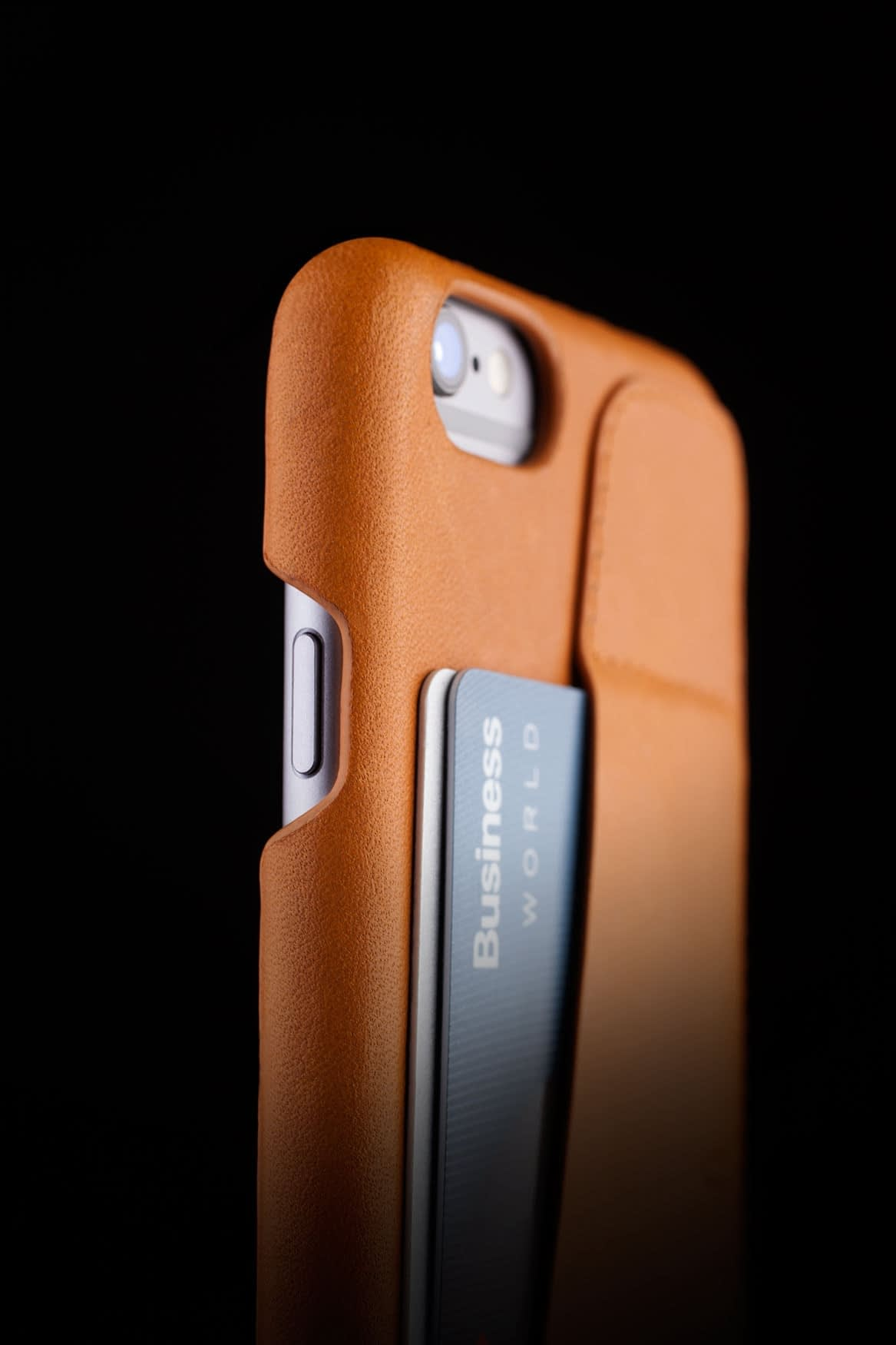 Leather Wallet Case 80° for iPhone 6 Tan Lifestyle 003